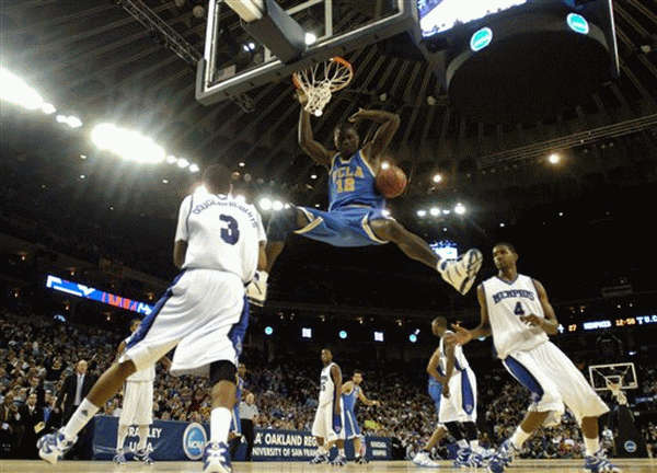 Alfred Aboya slammin' two of his points against Memphis, on his way to the 2006 NCAA FINAL FOUR